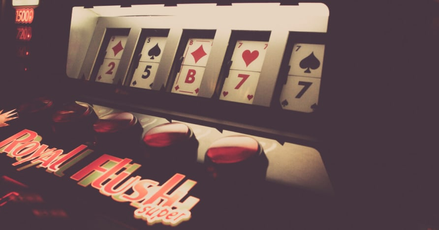 Un vivo privada Distribuidor Casino Studios & Tablas revisión